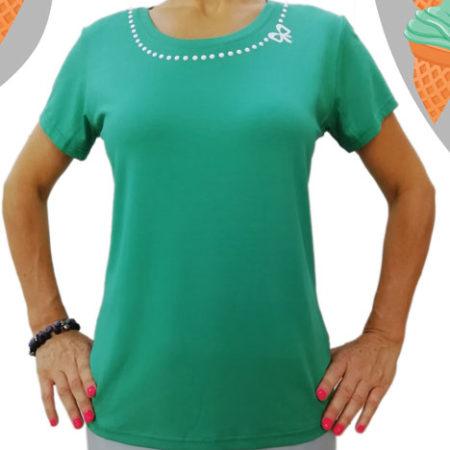 Maglia-verde-menta-con-perline-bianche-sul-colletto-fronte