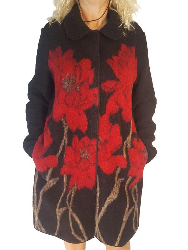 Cappotto colore nero con fiori rossi grandi davanti , art. 15924, Carla Ferroni